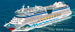 Die Aida Bella wurde am 23.  April 2008 im Ostseehafen Warnemünde...